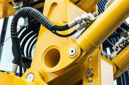 80027370-hydraulics-pipes-and-nozzles-tractor-or-other-construction-equipment-focus-on-the-hydraulic-pipes